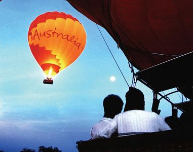 romantic hot air ballooning..wedding...marriage proposal...wedding anniversary